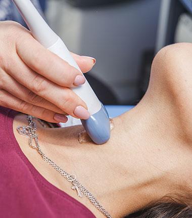 https://www.laboratoriolari.it/wp-content/uploads/2021/05/tiroide.jpg